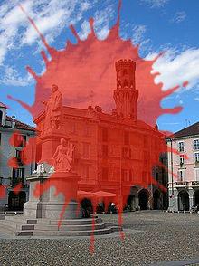 220px-Vercelli-Piazza_Cavour.jpg