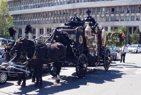 Casamonica_funerale_roma.jpg
