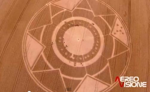 Cerchio nel grano Robella Asti.jpg