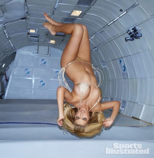 Gnagna a gravità zero con Kate Upton.jpg