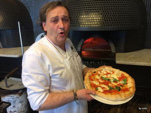 Guglielmo-Vuolo-e-la-pizza-con-lacqua-di-mare.jpg