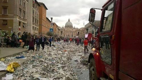 Intanto a Città del Vaticano.jpg