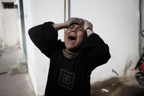 Intanto a Gaza_.jpg