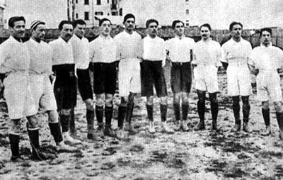 Italy_football_team_1910.jpg
