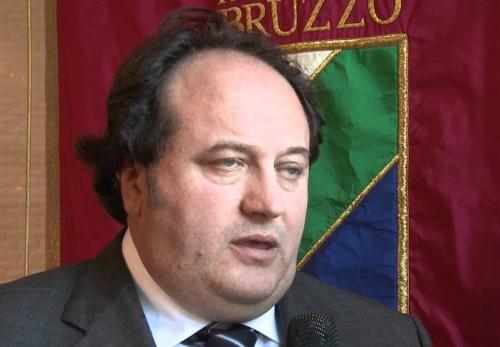 Luigi De Fanis_sesso per contratto.jpg
