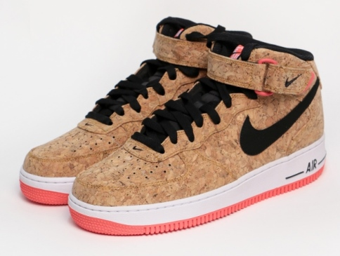 Nike_SUGHERO.jpg