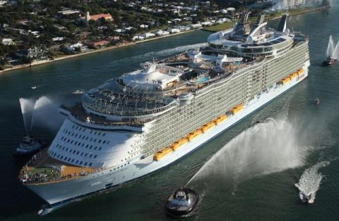Oasis_of_the_Seas_napoli.jpg