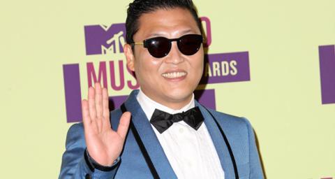 PSY_Gangnam style_welovemercuri.png