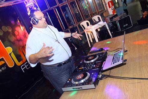 Padre DJ Zeton_welovemercuri.jpg