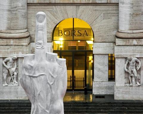 Piazza-Affari-Milano-photo-zeno-zotti_welovemercuri.jpg