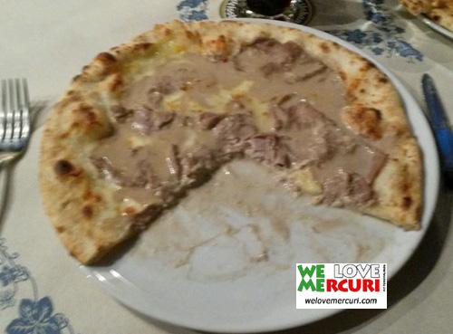 Pizza alla bagna càuda_affettato_manzo_welovemercuri.jpg