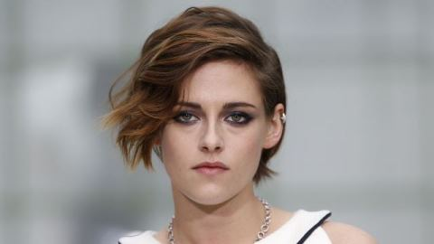 Resting Bitch Face_Kristen Stewart_welovemercuri.jpg