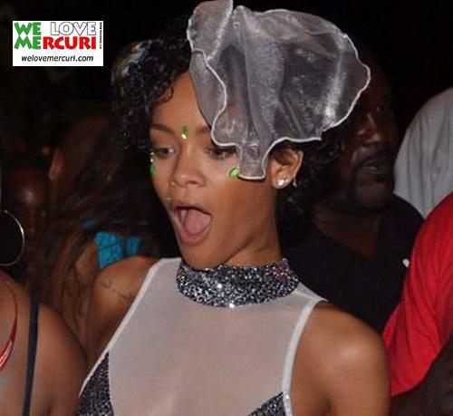 Rihanna_OVOLOLLO.jpg