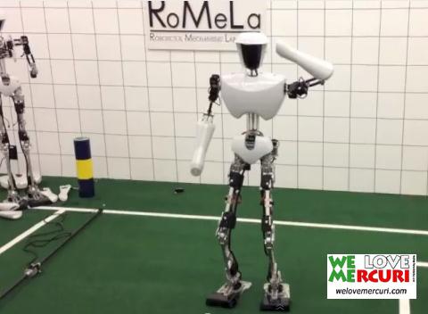 Robot Gangnam Style_welovemercuri.jpg