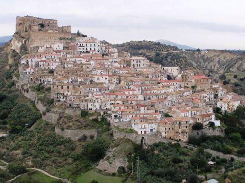 Rocca Imperiale_welovemercuri.jpg
