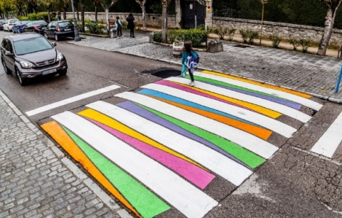 STRISCE_PEDONALI_MADRID_arte.jpg