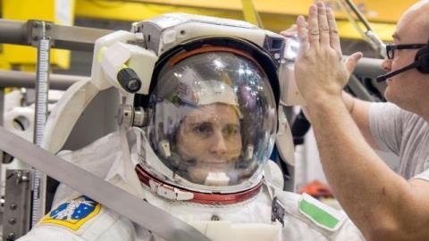 Samantha Cristoforetti pronto al decollo.jpg