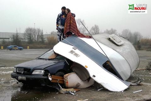 Simone Stunt Albertino - Roulotte crash .jpg