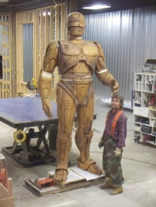 Statua-di-Robocop-a-Dretroit_.jpg