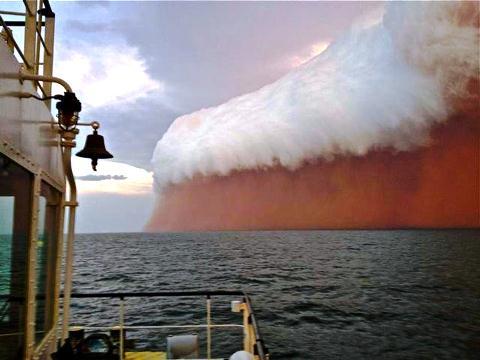 Tsunami_sabbia_Australia_welovemercuri.jpg
