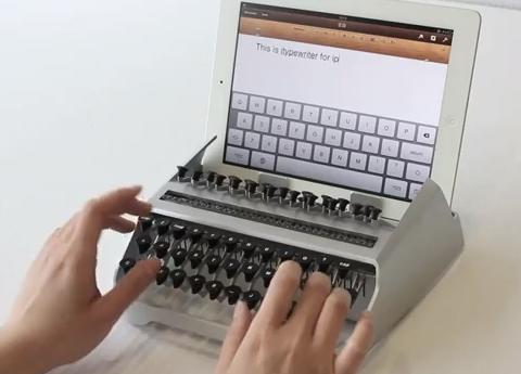 Typewriter landscape_welovemercuri.jpg