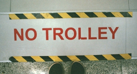Vietati i trolley a Venezia.jpg