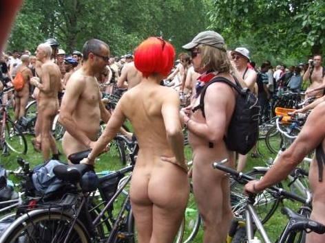 World_Naked_Bike_Ride_london.jpg
