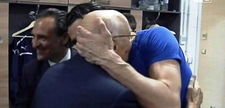 abbraccio_Buffon_Napolitano.jpg