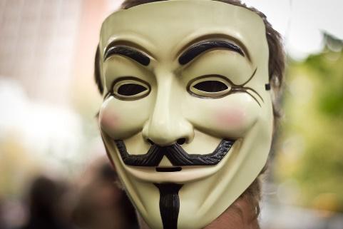 anonymous_maschera_multinazionali_welovemercuri.jpg