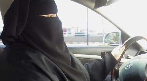 donne saudite al volante.jpg