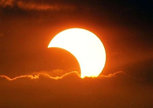 eclissi_parziale_sole_.jpg