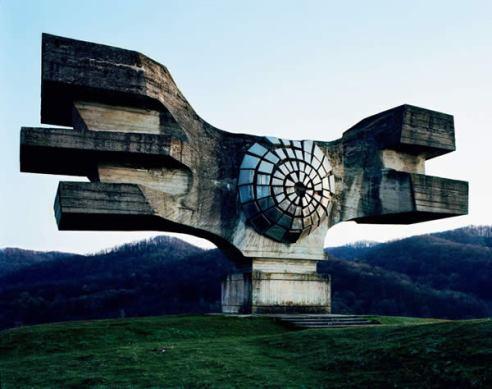 monumenti-jugoslavi_abbandonati.jpg