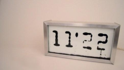 orologio sveglia Ferrolic_welovemercuri.jpg