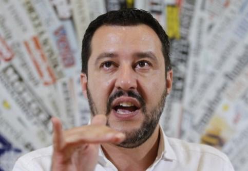 salvini_fermerà_italia.jpg