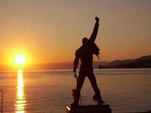 statua di Freddie Mercury a Montreux_welovemercuri.jpg