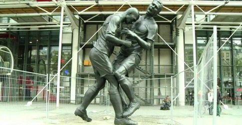 statua-zidane-materazzi_welovemercuri.jpg