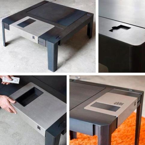 tavolino_floppy_disk_welovemercuri.jpg