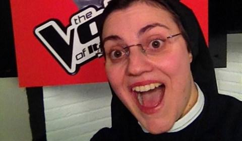 the-voice-suora-suor-cristina-selfie.jpg