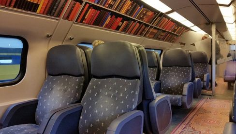 vagone biblioteca_Olanda_welovemercuri.jpg