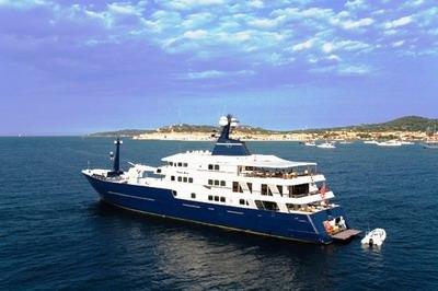 yacht_FB.jpg