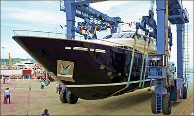 yacht_PSB.jpg
